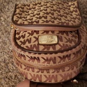 Michael Kors Bags - Back pack stule adoranle for 3 ou 4 fashionista